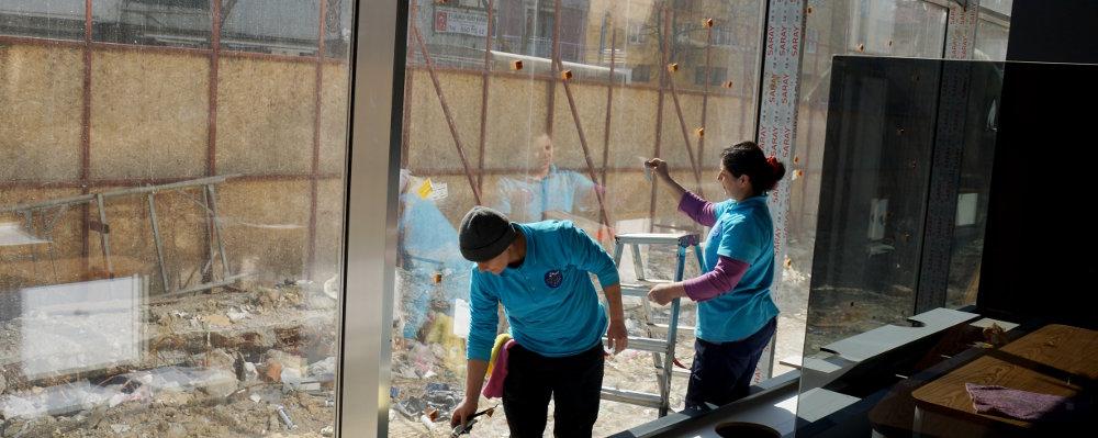 h-temizlik-sirketleri-cam-temizligi